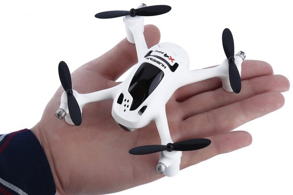 Hubsan-X4-FPV-Plus-720p-HD-camera-quadcopter-RTF
